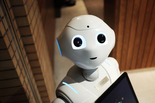 robot-2587571_640